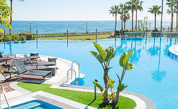 Penthouses and 2 bedroom apartments in Estepona