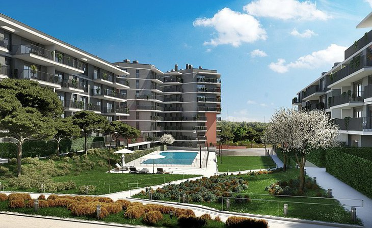Homes in a residential complex with large green spaces in Terrassa